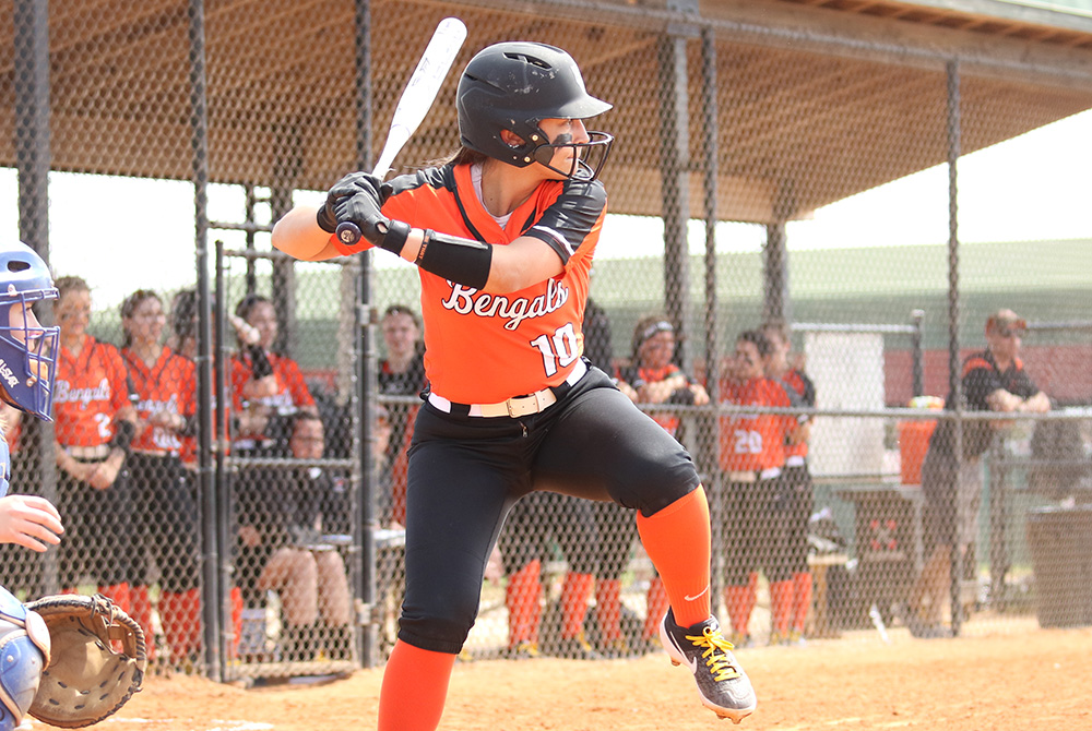 Softball to hold tryouts on Sept  4 - Buffalo State College Athletics