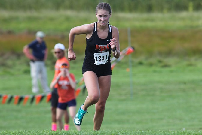 Women's Cross Country finishes sixth at Penn State Behrend